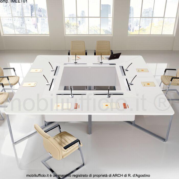 conp. IMEET01 - #tavolo #conferenza quadrato e accessoriato per interventi in #amplificazione con microfoni professionale.