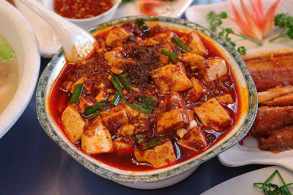 Ricette giapponesi: scopriamo insieme il Mapo Tofu in salsa nipponica