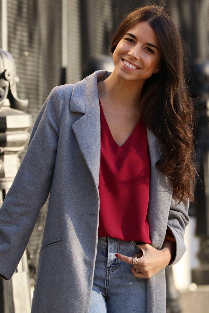 Mujeres emprendedoras que nos inspiran - Laura de Bimani 13 Blazer, Jackets, Women, Fashion, Work Outfits, Swimsuits, Cute Clothes, Branding, Down Jackets
