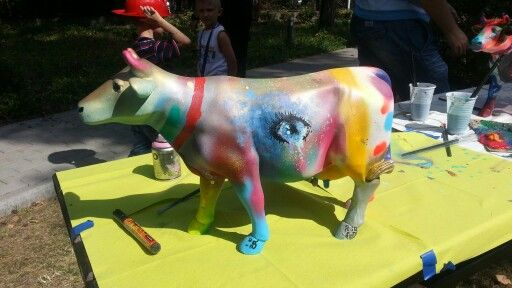 Cow. Charity action. Fundacja For Life