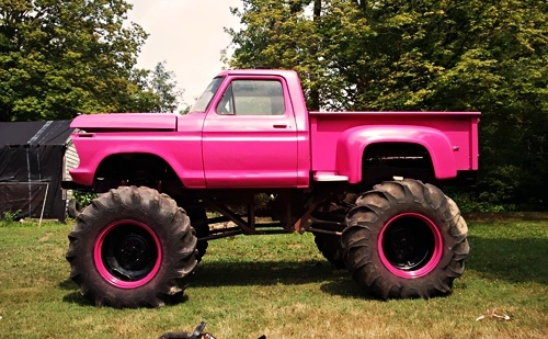 Pink is the only way to goJacked Up Pink Chevy Trucks