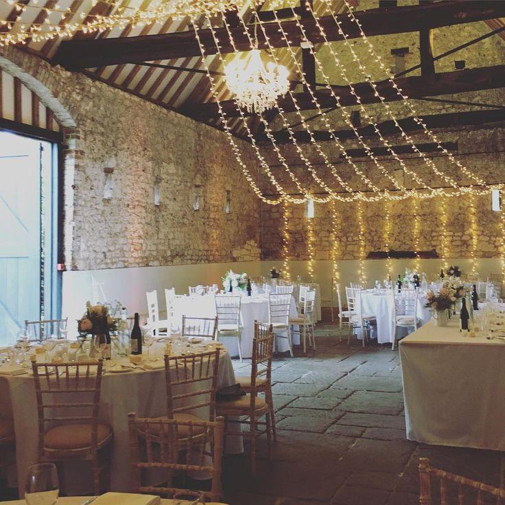 Photo & catering: WildFork ||  Lighting : #OakwoodEvents || Venue : #MonksBarn >> Rustic barns provide the perfect blank canvas for your big day #barnwedding #wedding #hurleywedding #monksbarn #bride #groom #eventprofs #catering #thewildfork #berkshire #eventlighting #chandelier