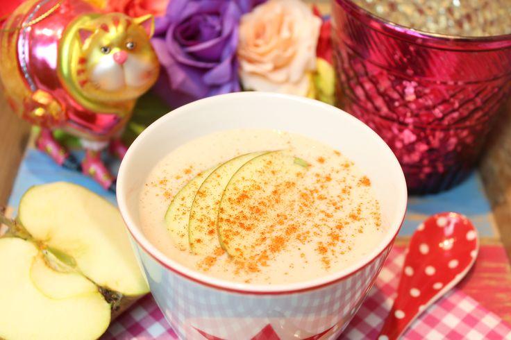 Low Carb Rezepte von Happy Carb: Apfel-Zimt-Frühstücksshake.
