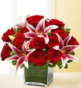 Best 25 rose flower arrangements ideas on pinterest for Flower arrangements with roses