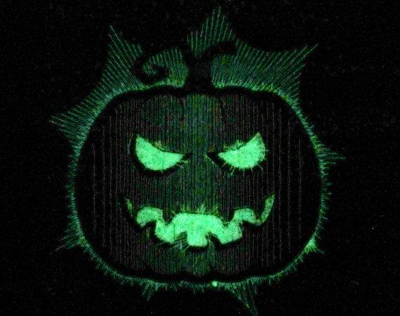 Scary pumpkin / Glow in the dark special designed by artapli
