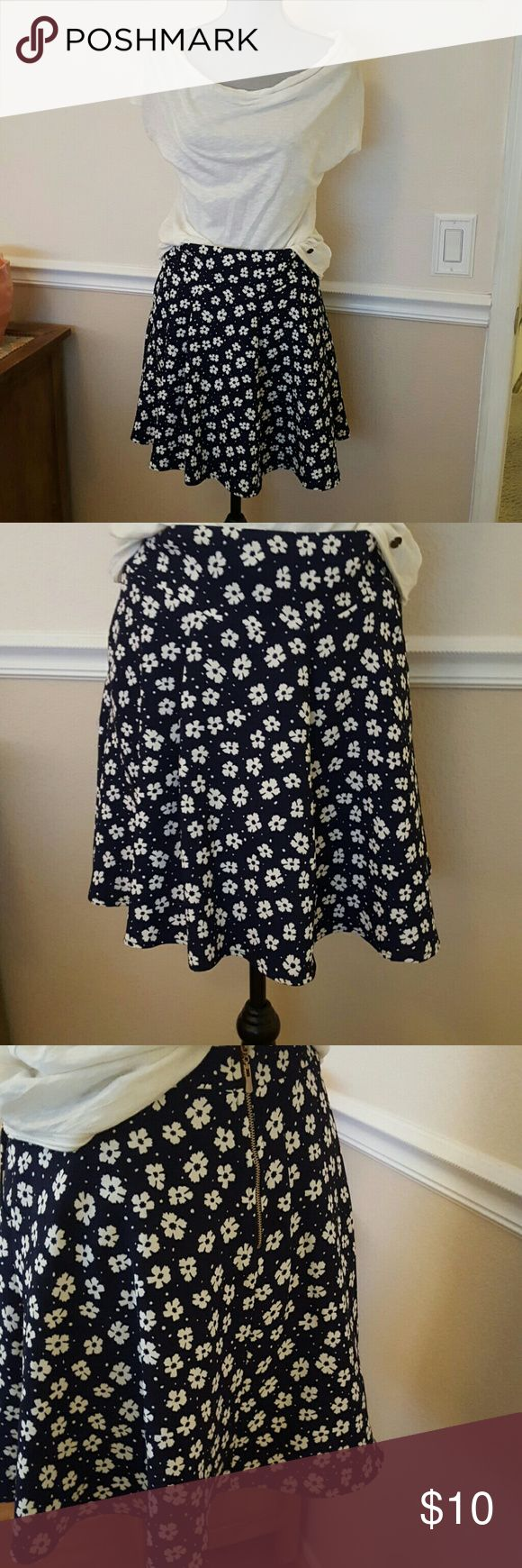 Skirt Blue skirt with white flowers zips in back size m  great condition  shown with Tommy girl top Skirts Mini