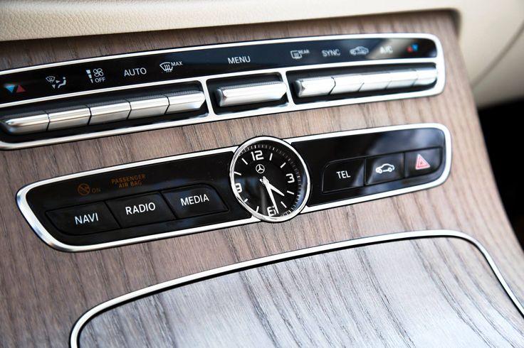 Mercedes-Benz o'clock