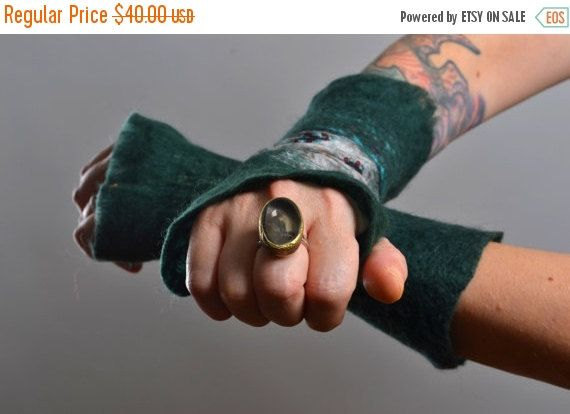CHRISTMAS SALE Felted Wool Gloves  Wool Gloves  Nuno by Suniq