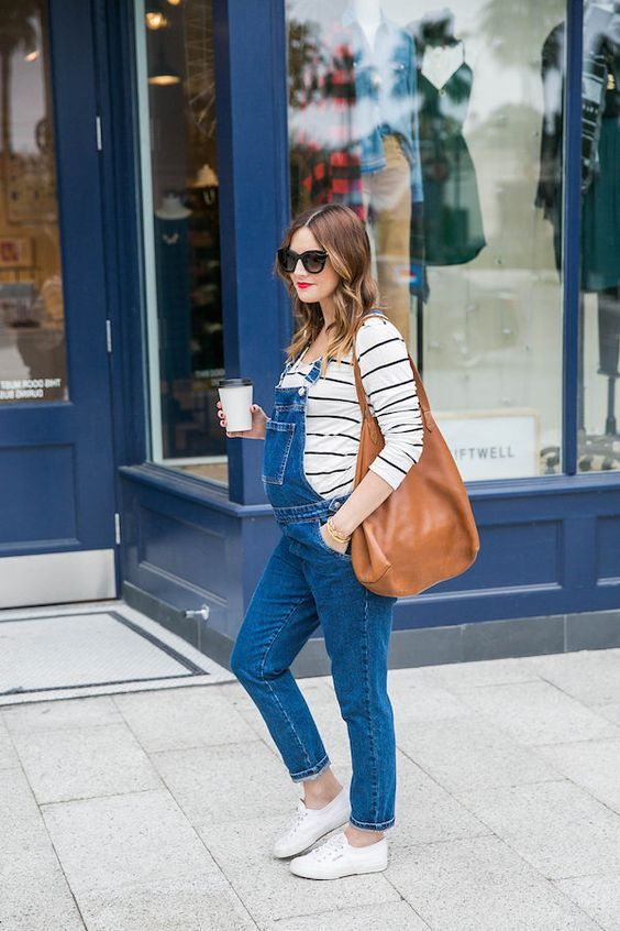 Casual chic maternity style
