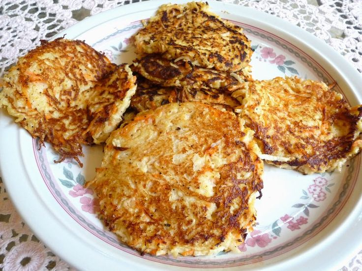 SPLENDID LOW-CARBING BY JENNIFER ELOFF: TURNIP CARROT FRITTERS ~ The turnip flavor is not strong in these very tasty fritters. Fry in bacon fat! Visit us for more great recipes at: https://www.facebook.com/LowCarbingAmongFriends AND https://www.facebook.com/LowCarbHitParade