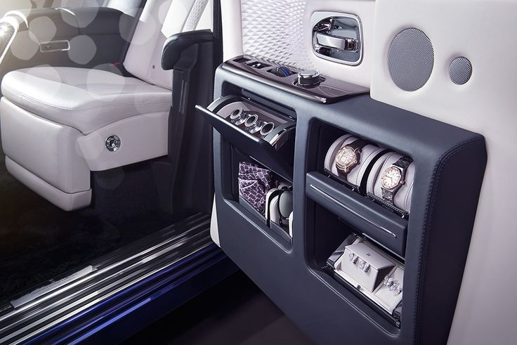Rolls-Royce Phantom Limelight Collection 2015, Door Detail. More Images On The Following Link: https://www.carspecwall.com/rolls-royce/bespoke-collection-cars/phantom-limelight-collection-2015/