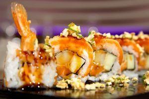 APPLE | Salmão, camarão em tempura, maçã, açúcar demerara e molho teriyaki