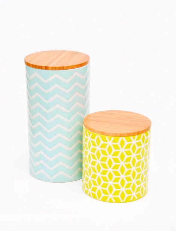 Stamped Storage Jar / Leif