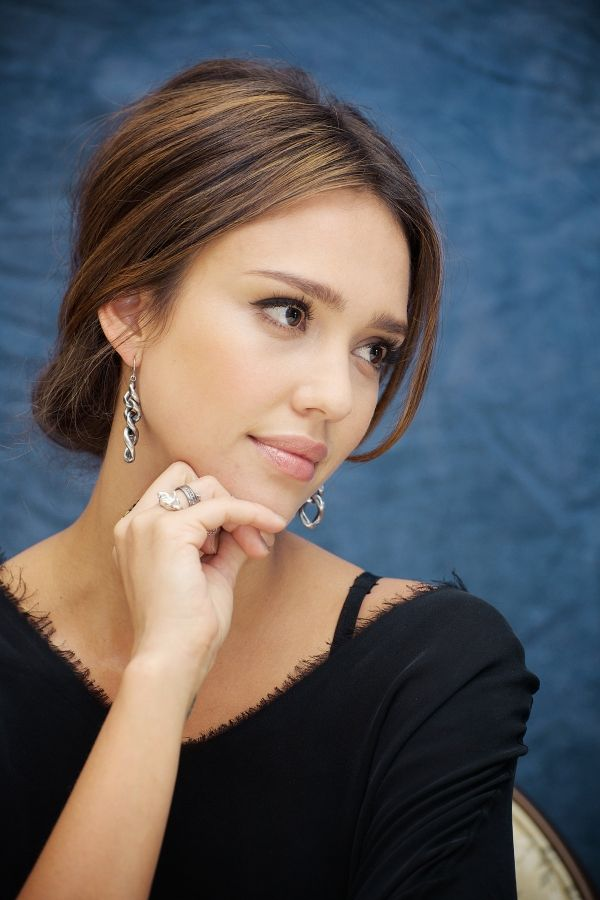 Jessica Alba: Hair Cccolor, Girls Faces, Makeup Actresses, Hair Hairstyles, Actresses Portraits, Hairstyles Makeup, Hair Colors 3, Fashion Hair, Jessica Alba Updo
