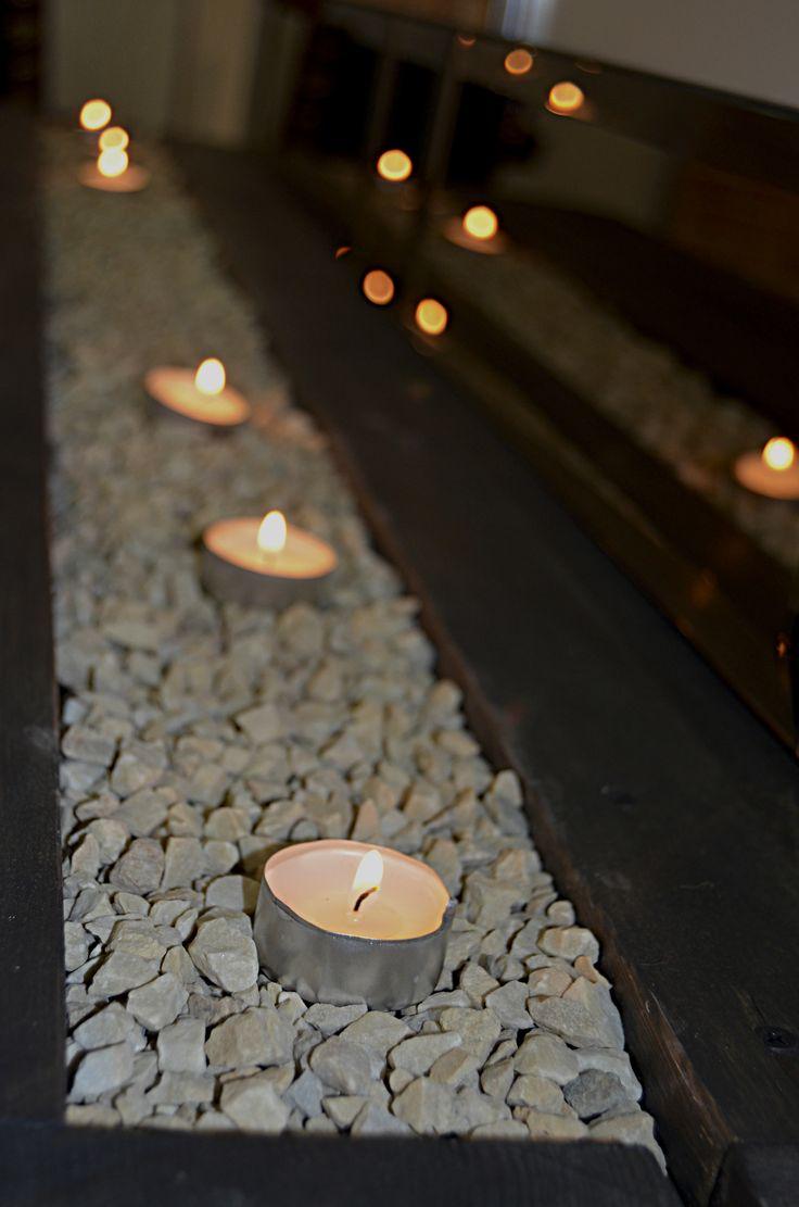 Свечи - один из важнейших элементов, так как именно они делают наш камин-бар не только функциональным предметом мебели, но и замечательным декоративным элементом интерьера. Живые свечи создают романтическое настроение.