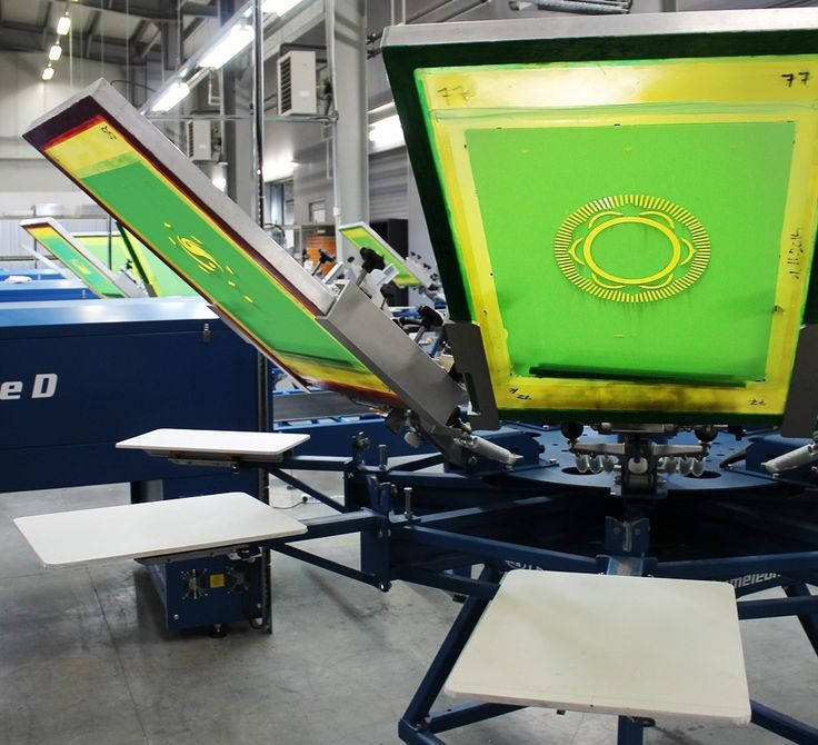 Using the best #silkscreen #technology to #screenprint your #tshirts! @mrcompanies #printlife  #logoprint http://bit.ly/1LPZppD