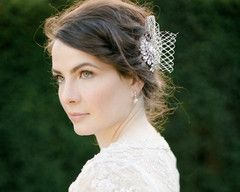 Exude chic vintage glamour with the Spring fascinator. Combining vintage rhinestone elements with a contemporary feel and look. Perfect as an alternative to a traditional veil or wear as an evening-time headpiece.€110/£90/$151.