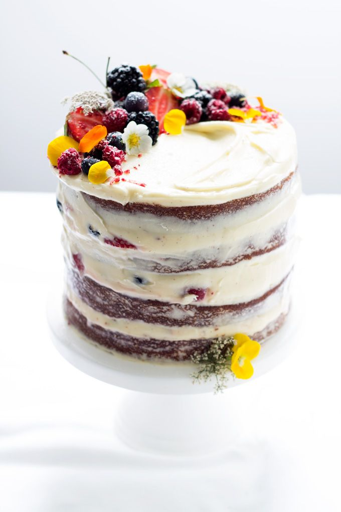 cream cheese frosting for wedding cake uk berry cake with vanilla cheese frosting 13053
