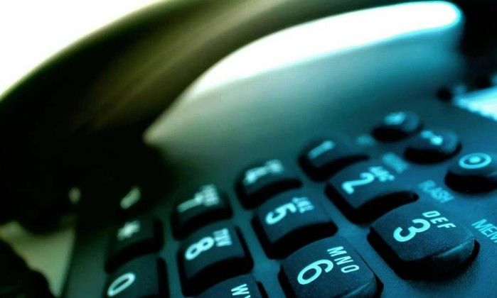 Chamadas entre telefone fixo e móvel ficarão mais baratas a partir do dia 25 -   As chamadas entre telefone fixo e móvel ficarão até 19,25% mais baratas a partir do dia 25 de fevereiro, segundo a Agência Nacional de Telecomunicações (Anatel). De acordo com o órgão, os valores das chamadas locais de fixo-móvel terão redução de 16,49% a 19,25%, dependendo da empresa de - http://acontecebotucatu.com.br/nacionais/chamadas-entre-telefone-fixo-e-movel-ficarao-