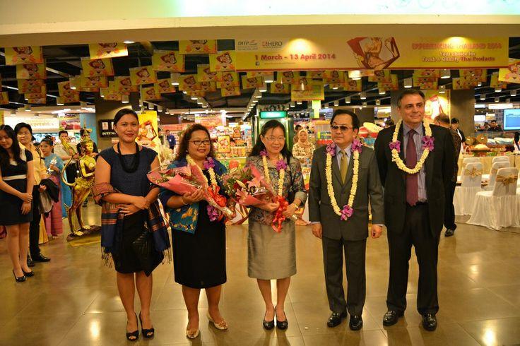 Acara Opening Experiencing Thailand 2014 di Hero Mall Taman Anggrek