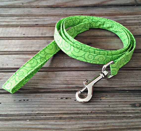This handmade Furever Gracie Green Swirl Print Leash is custom made for you with cotton fabric and thick, quality interfacing that reinforces the fabric to make the leash durable and sturdy for you and your dog. This leash is approximately 5 feet long with heavy duty hardware. This leash comes in either 3/4 width or 1 width. Please specify in your order. This leash can be hand washed or machine washed in cold water using mild detergent and laid flat to dry. This listing is for the ...