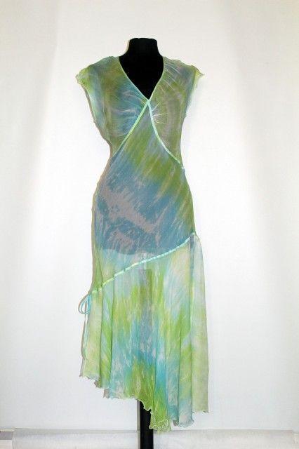 Rochie retro matase naturala verde cu albastru anii '90 http://www.vintagewardrobe.ro/cumpara/rochie-retro-matase-naturala-verde-cu-albastru-anii-90-7496077 #vintage #vintagewardrobe #vintageautentic #vintagedresses #1990s
