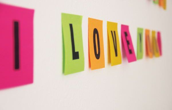 Sideview Finished Post-It Wall Messages