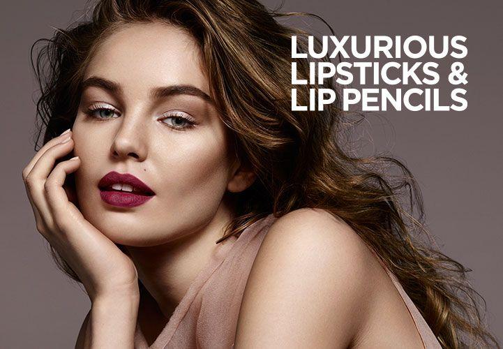 KIKO MILANO lanceert twee nieuwe producten met een matte finish voor een professionele en complete lippenmake-up. Ontdek online de 20 kleuren Velvet Passion Matte Lipstick en Ever Lasting Colour Precision Lip Liner.