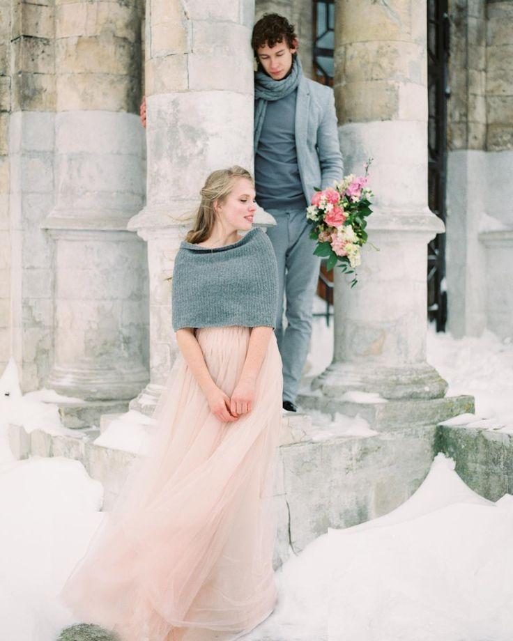 «Ромео и Джульетта Концепция/организация/ декор @sweetwilliam_wedding  Платье @bluebells_dress Стилист @dasha_cherentaeva Полиграфия…»