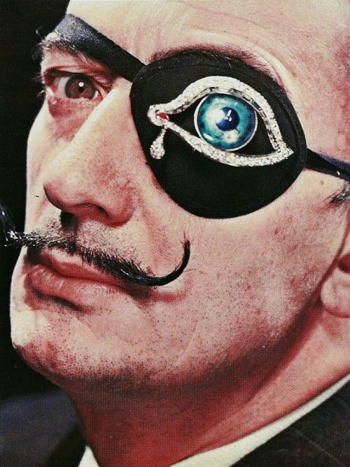 >> salvador dali wearing his eye of time brooch