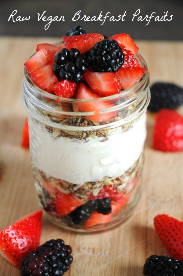 Raw Vegan Breakfast Parfaits - This breakfast? AH-MAZING.  And I don't say that lightly. This is one of the best breakfasts I've had in a very, very long time. The best part? It's super easy, extremely healthy, and it's raw (I've been trying to get more raw meals/snacks into my diet)!