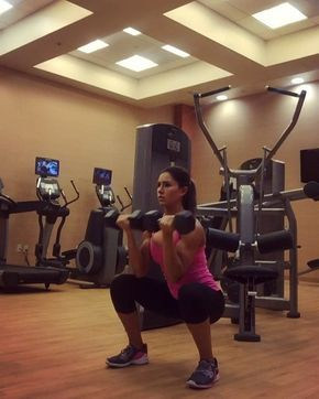 This is one of my favorite combos to do when I travel and have limited equipment. It works your whoooole body! Try 12-15 reps and pair it with 30sec Burpees. Be sure to stay in your heels and keep your core tight.