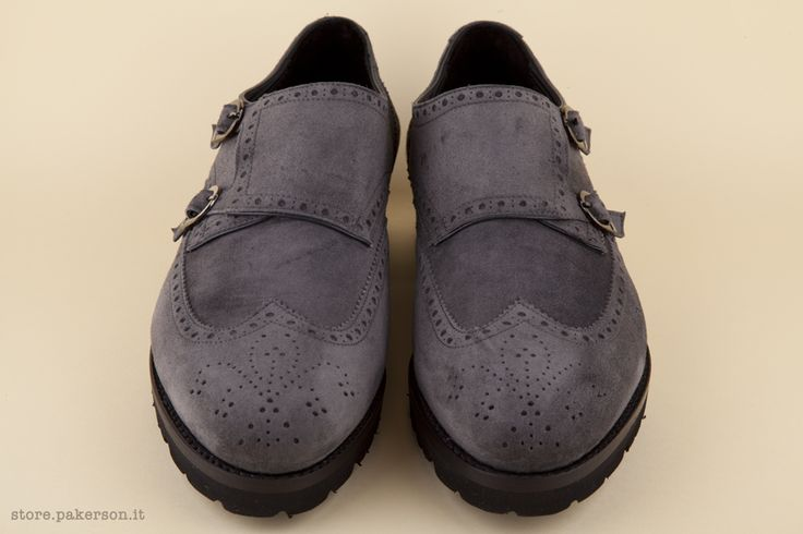 Double monk strap shoe, handmade for men in smoke-grey suede, featuring prestigious Goodyear-Bologna construction.  - Calzatura maschile modello doppia fibbia, fatta a mano in pelle scamosciata color grigio fumo.