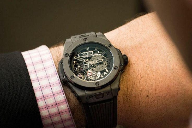 GONE IN 60 SECONDS: A new take on the Big Bang. The Hublot Meca-10 All Black video review