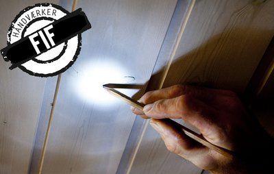 Lampeophæng: Find let midten af bordet