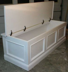 window seat that's not built in. Love the storage. - poshhome.info