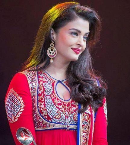 True Indian Beauty.. #AishwaryaRaiBachchan  #Jazbaa #AishwaryaRai #JazbaaFirstLook #Cannes2015