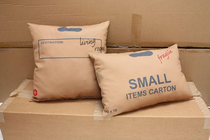 """Cuscini di cartone http://www.design-miss.com/cuscini-di-cartone/ Decisamente particolari questi #cuscini di #cartone caratterizzati da #segni e #simboligrafici """"industriali"""", una #riproduzione, realizzata dallo studio #studioooij, dei cartoni da #imballaggio…"""