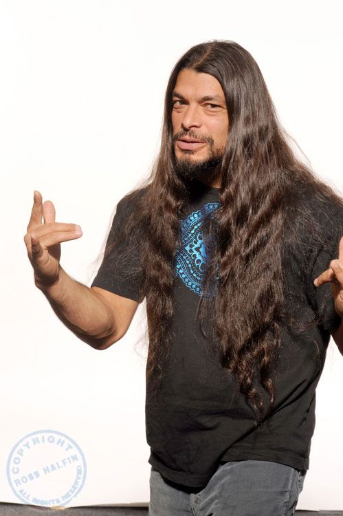 Robert Trujillo (October 23, 1964) American bassist, o.a. known from the band Metallica.