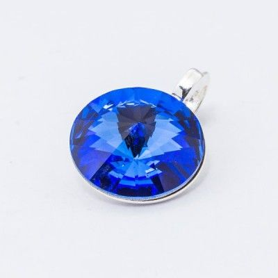 Silver plated Swarovski Rivoli Pendant 12mm Sapphire  Dimensions: length: 1,7cm stone size: 12mm Weight ~ 1,40g ( 1 piece ) Metal : silver plated brass Stones: Swarovski Elements 1122 12mm Colour: Sapphire 1 package = 1 piece Price 9.40 PLN(about 2.5 EUR)