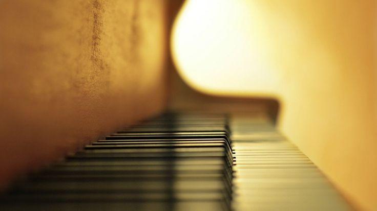 Foto del giorno: Strumenti musicali - tastiera di un pianoforte - http://www.eannunci.com/blog/foto-del-giorno-strumenti-musicali-tastiera-di-un-pianoforte/ - #Pianoforte, #StrumentiMusicali, #Tastiera - Clicca sul link per pubblicare annunci di vendita strumenti musicali usati: strumenti a fiato, strumenti ad arco, chitarre, pianoforti, batterie e percussioni, attrezzature per DJ e tanto altro ancora.