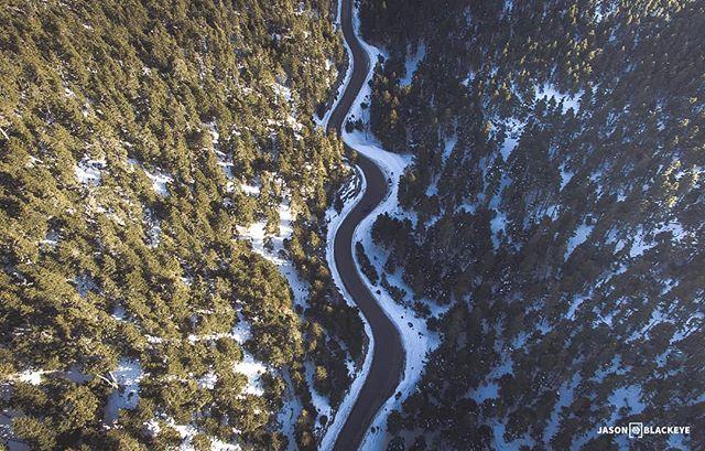 Aerial shot!  jasonblackeye.com Together with @dimikozabove  #landscape #landscape_lovers #explore #travel_greece #traveler #picoftheday #photooftheday #beautifuldestinations #aerial #aerialphotography #dronestagram #droneshot #woods #road #winterishere #snow #mountains #treestagram #treelove #coldoutside #aerialcapture #jbphotovisuals #viewpoint #scenery