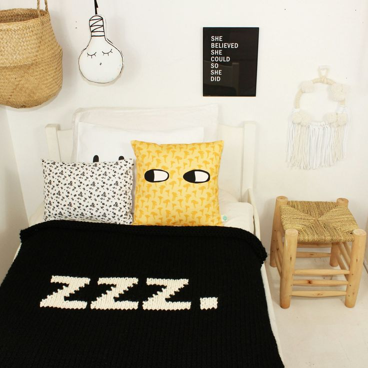 Throw size ZZZ blanket, more generous than the crib size and sooooo cozy!