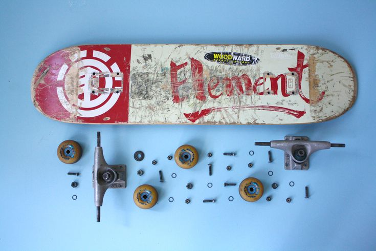 deborahgruber:    after taking the wheels off for another project, i decided to take my whole skateboard apart and do this with it!