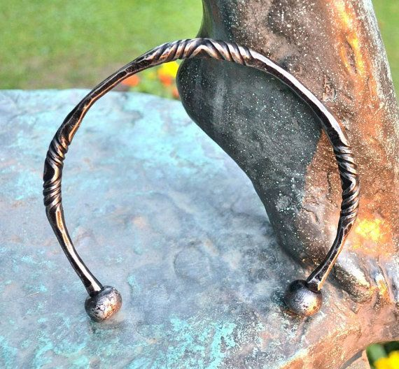Hand Forged CELTIC TORC Iron Torques Hammered Jewellery Jewelry Celts Iron Age Pagan Necklace Torque Historical Jewel Re-enactment History on Etsy, €33,29