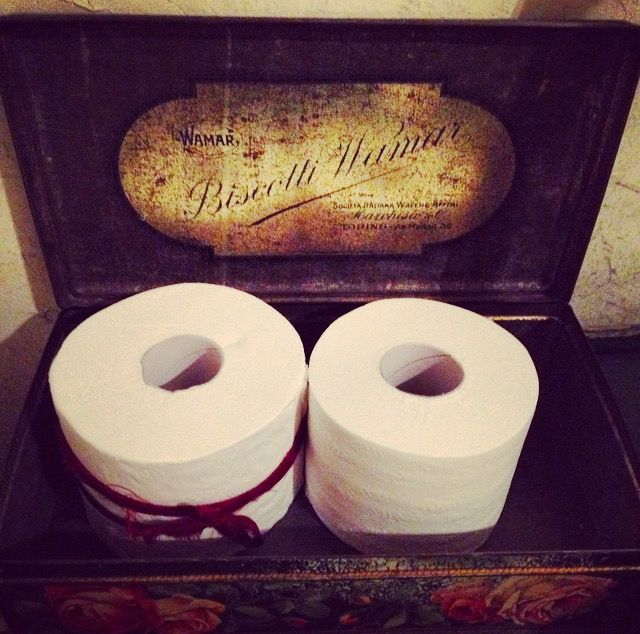 #MFW DAY 4 - @antoniomarrasofficial ONLY YOU can tieni your loo paper with an antique red silk ribbon  #HonestVibes #PleaseHaveFun #WeAreResponsibleForBeauty #AntonioMarras