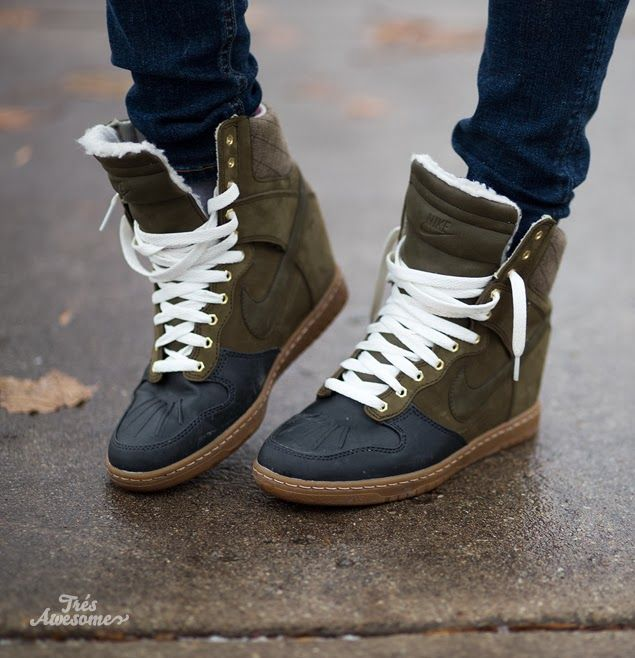 Like the style but not the colors . I NEED these. Nike Sky Hi Sneakerboots #nike #shoes #sneakers
