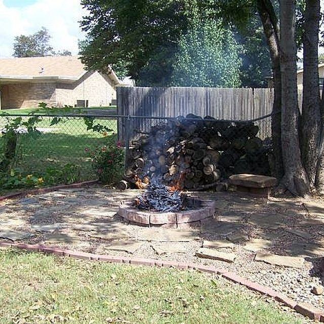 1000 Ideas About Backyard Fire Pits On Pinterest: 1000+ Ideas About Fire Pit Area On Pinterest