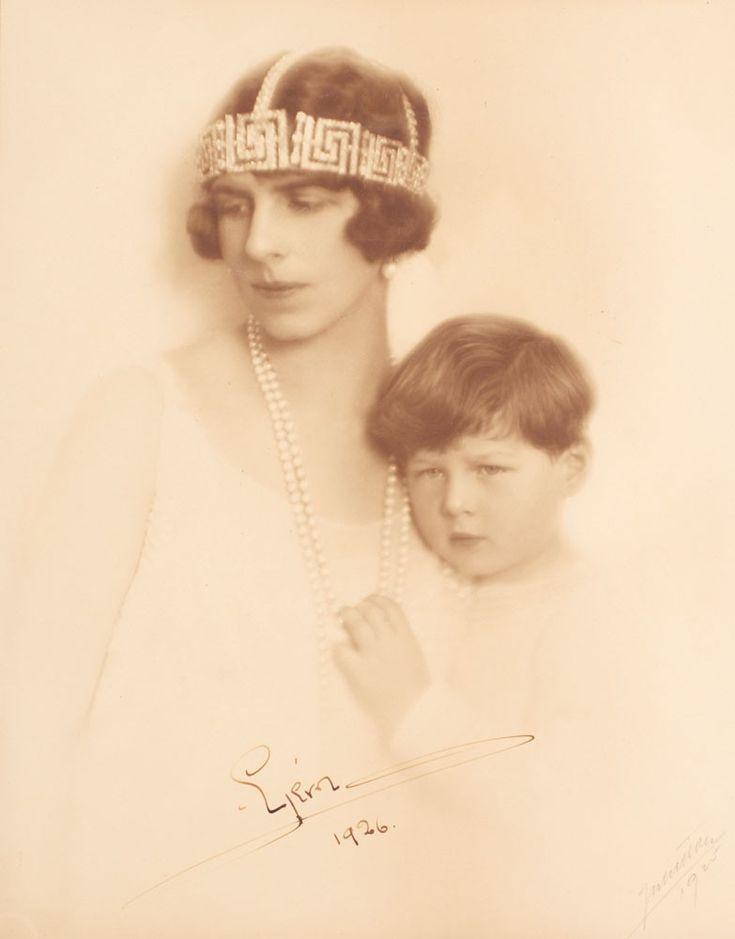 Regina mama Elena si Regele Mihai 1926