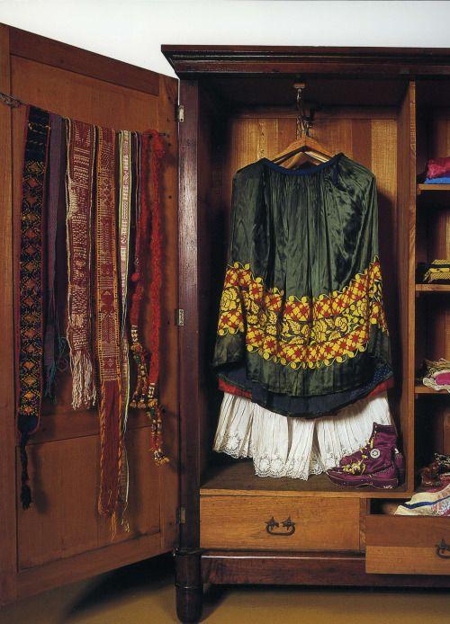 fernsandmoss:  Frida Kahlo's wardrobe